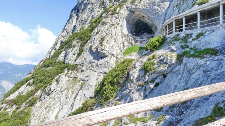 Достопримечательности Австрии - Пещера ледяных гигантов Айсризенвельт