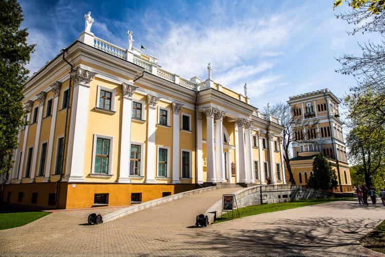 Достопримечательности Белоруссии - Дворец Румянцевых-Паскевичей