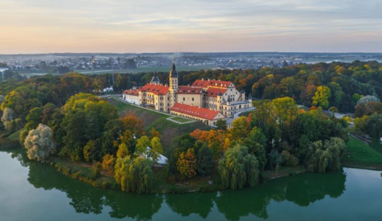 Достопримечательности Белоруссии - Несвижский замок