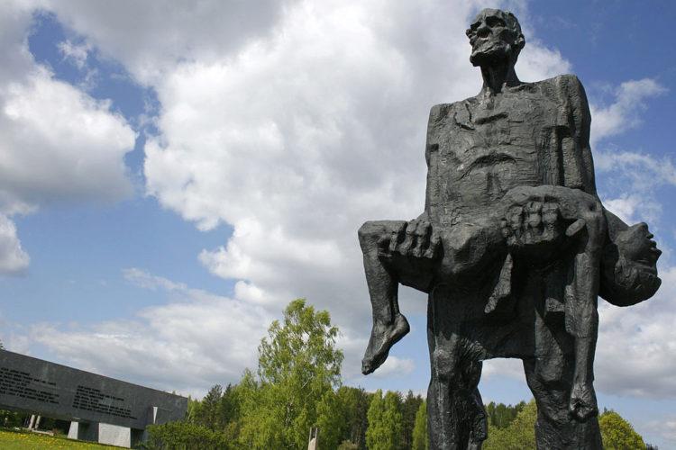 Достопримечательность Белоруссии - Хатынь
