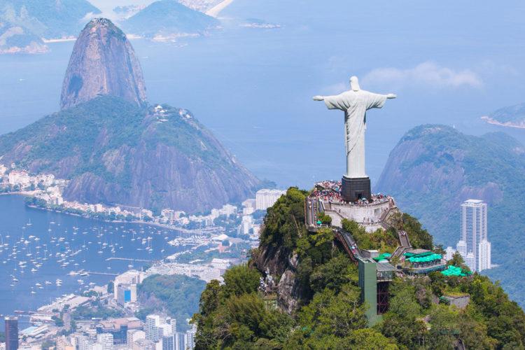 Достопримечательности Бразилии - Статуя Христа в Рио-де-Жанейро