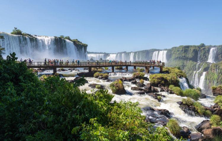 "Достопримечательности Бразилии - Водопад ""Адам и Ева"""