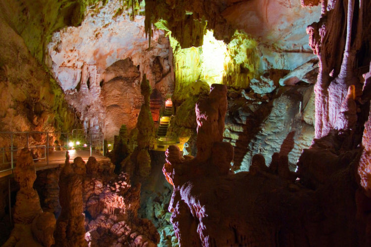 Достопримечательности Украины - Мраморная пещера