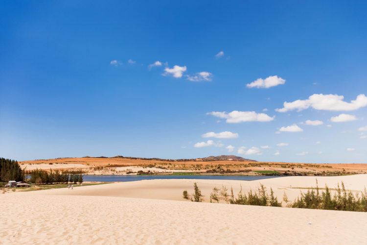Достопримечательности Вьетнама - Белые дюны и Озеро лотосов