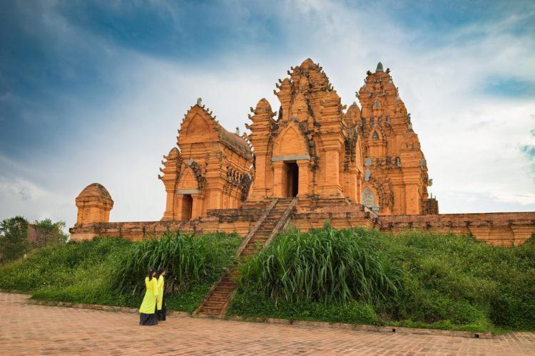Достопримечательности Вьетнама - Чамские храмовые башни