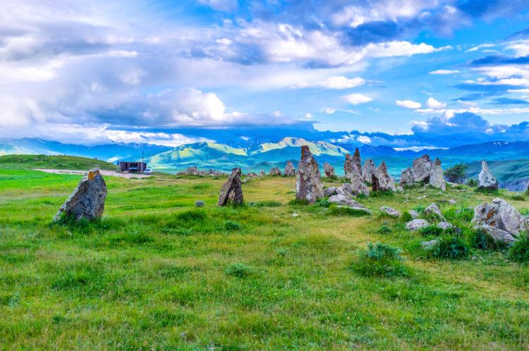 Достопримечательности Армении - Обсерватория Караундж
