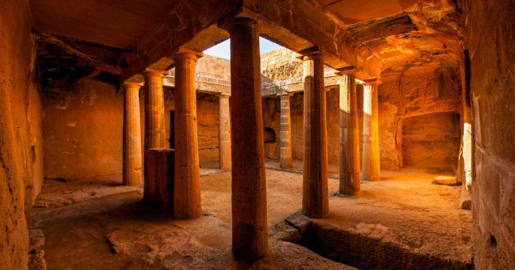 Достопримечательности Кипра - Гробницы царей в Пафосе