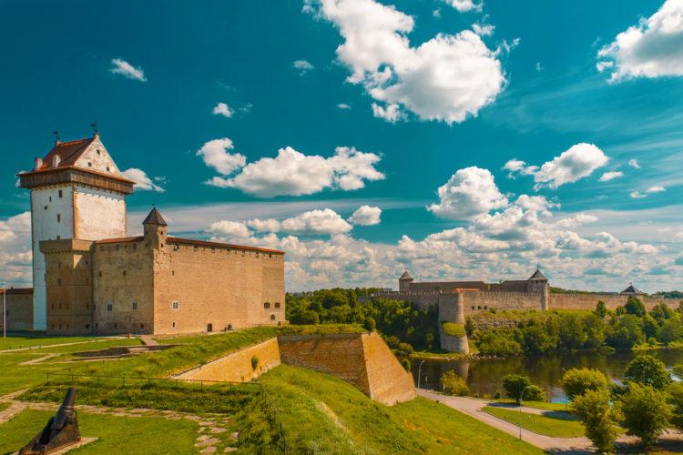 Достопримечательности Эстонии - Нарвский замок