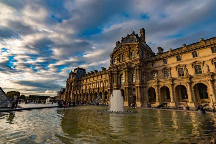 Достопримечательности Франции - Лувр