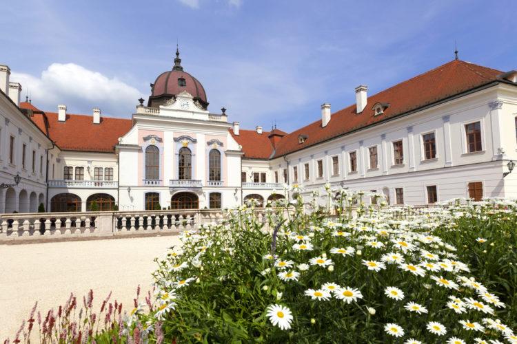 Достопримечательности Венгрии - Дворец Гёдёллё