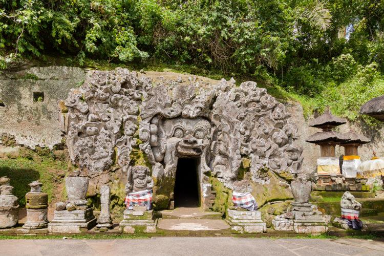 Достопримечательности Индонезии - Слоновая пещера