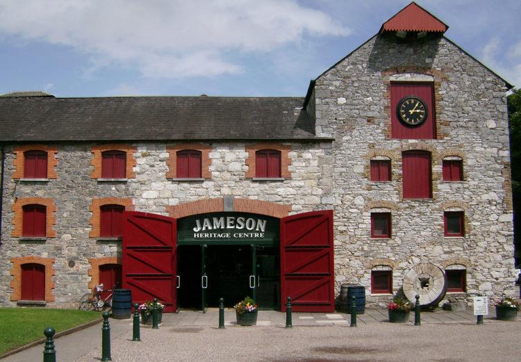 Достопримечательности Ирландии - Музей-вискикурня Jameson