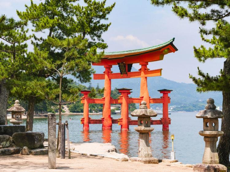 Достопримечательности Японии - Храм Ицукусима-дзиндзя