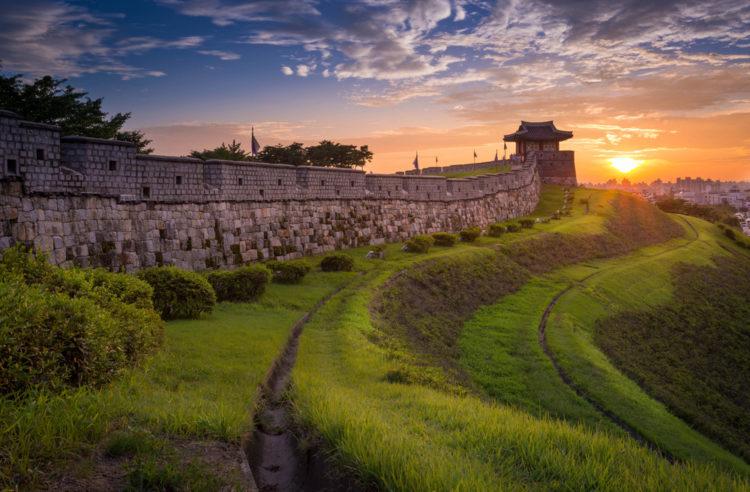 Достопримечательности Южной Кореи - Крепость Хвасон