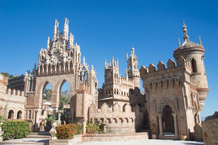 Достопримечательности Испании - Замок Коломарес