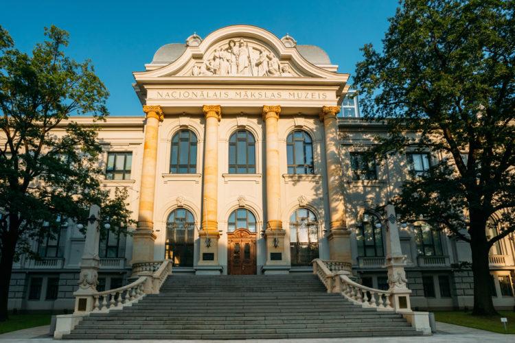Латвийский национальный музей искусств - достопримечательности Латвии