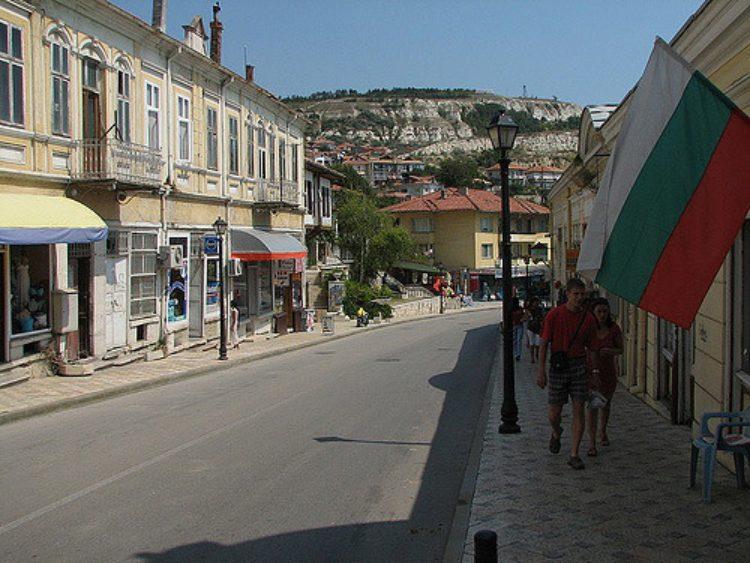 Прогулка по аккуратным улочкам Балчикаэ Болгария