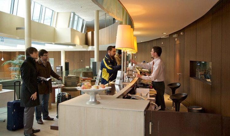 Бронирование отелей по всему миру: плюсы и минусы онлайн-сервисов