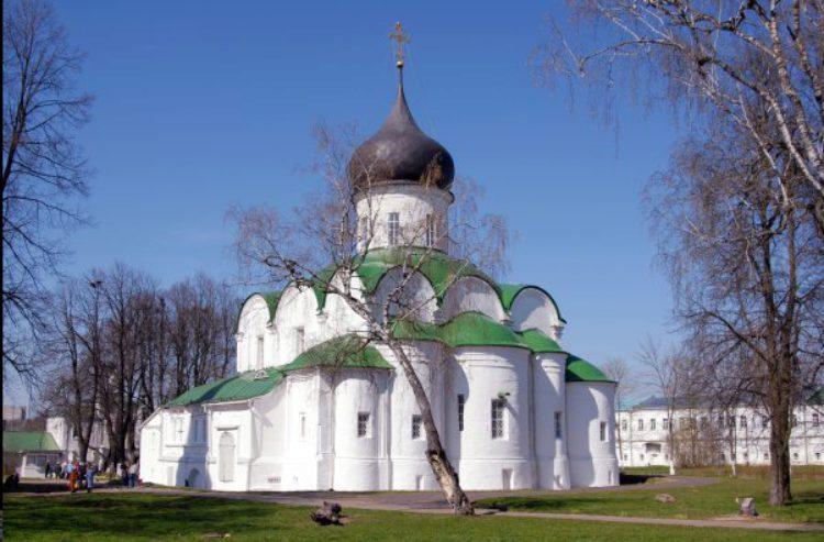 Собор Троицы Живоначальной в Александровском Кремле в Александрове, Владимирской области, России