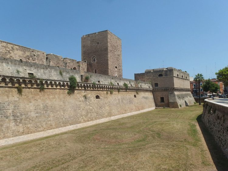 Замок Бари в Апулии в Италии