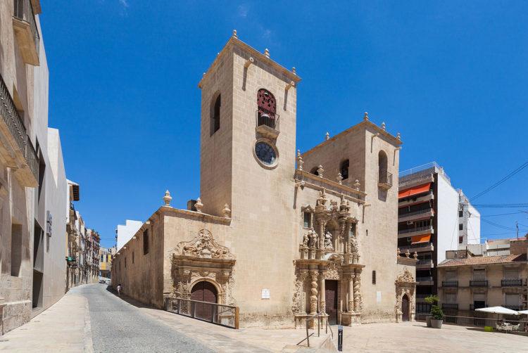 Базилика de Santa María в Аликанте в Испании