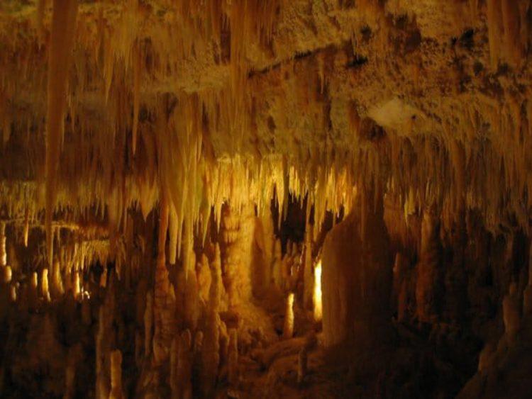 Белый грот - Пещеры Кастелланы в Апулии. Италия