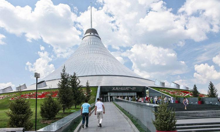 Торгово-развлекательный комплекс - Хан Шатыр в Астане в Казахстане