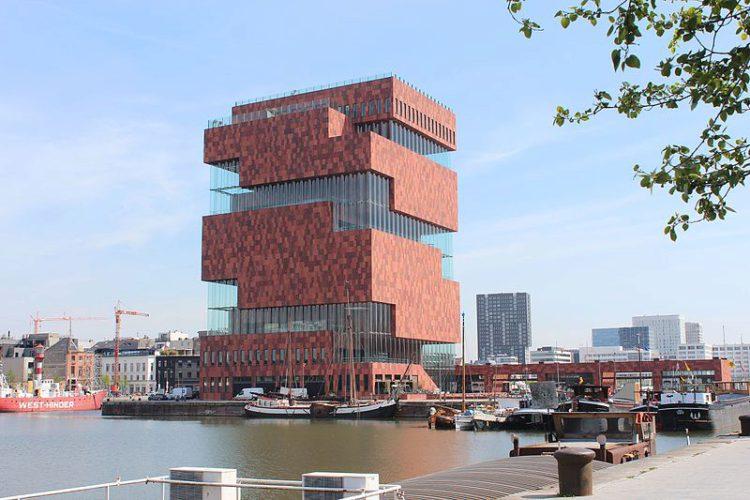 Музей Aan de Stroom и смотровая площадка музея Антверпена в Бельгии
