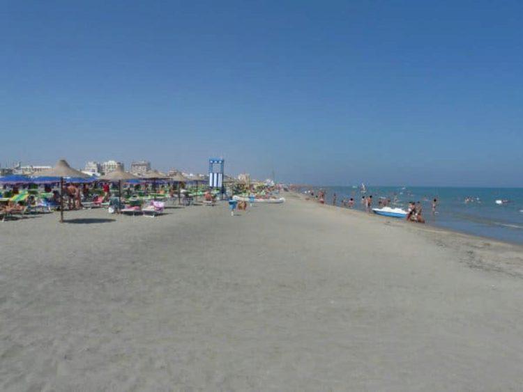Что посмотреть в Апулии - Пляж Margherita di Savoia