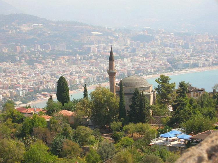 Мечеть Сулеймание на Замковой горе в Аланье в Турции