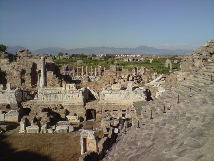 Что посмотреть в Авсалларе - Римский театр в Сиде