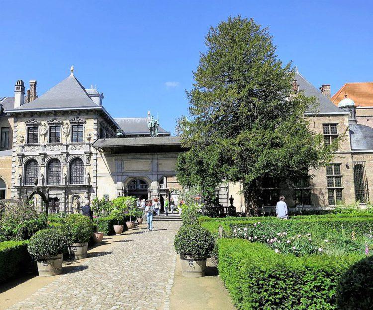 Что посмотреть в Антверпене - Сад перед домом художника Педро Пабло Рубенса