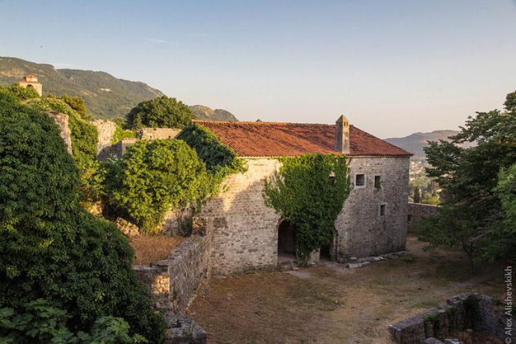 Старый город Бар - старая часть города Бар, Черногория