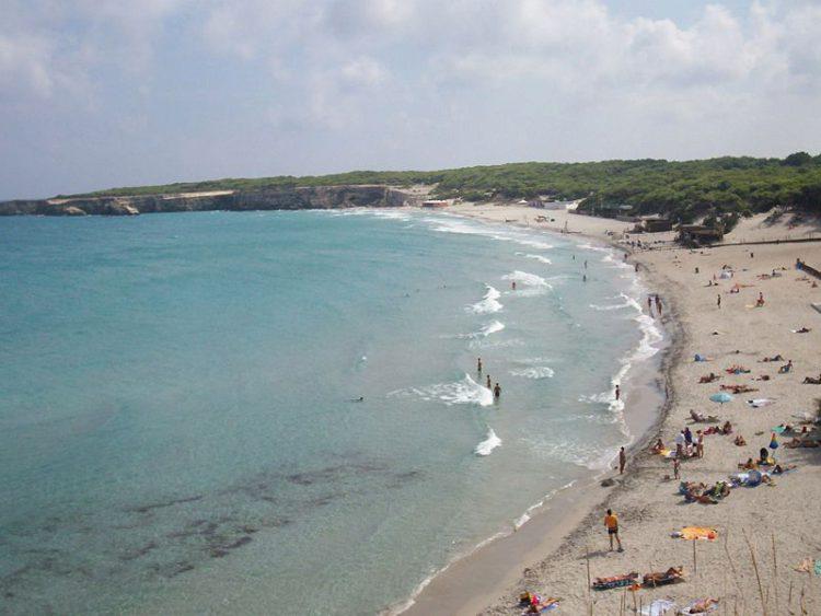 Пляж Торре-дель-Орсо в провинции Лечче - Апулия (Италия)