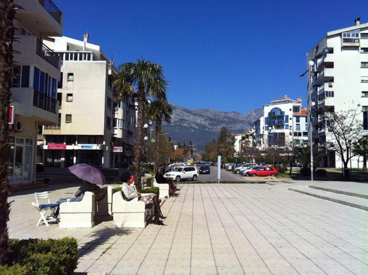 Улицы города Бар в Черногории