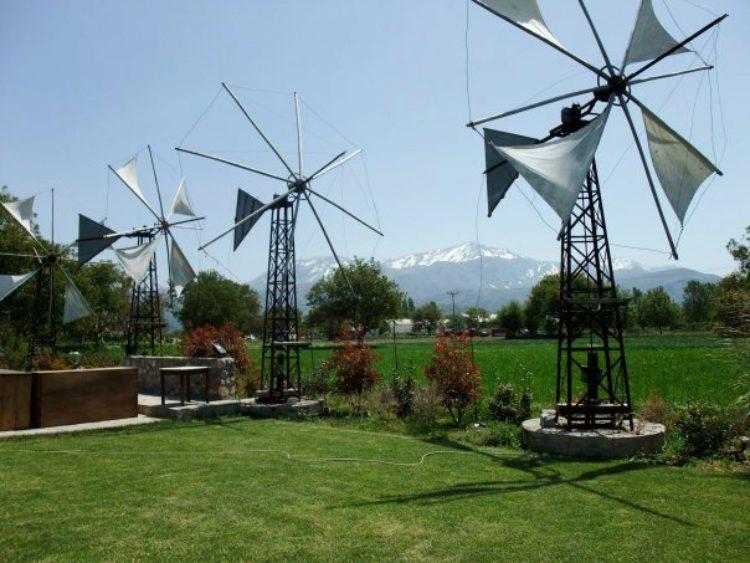 Ветряные мельницы на плато Ласити на Крите