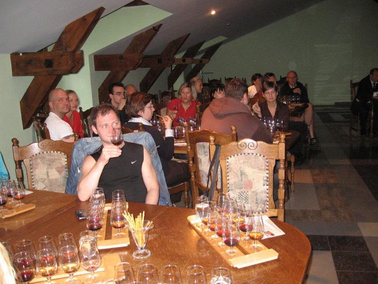 Дегустационный зал винзавода Массандра в Алупке в Крыму