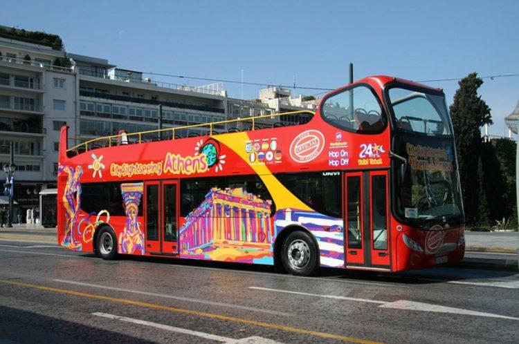 Автобус для туристов в Айя-Напе, на Кипре, Греция