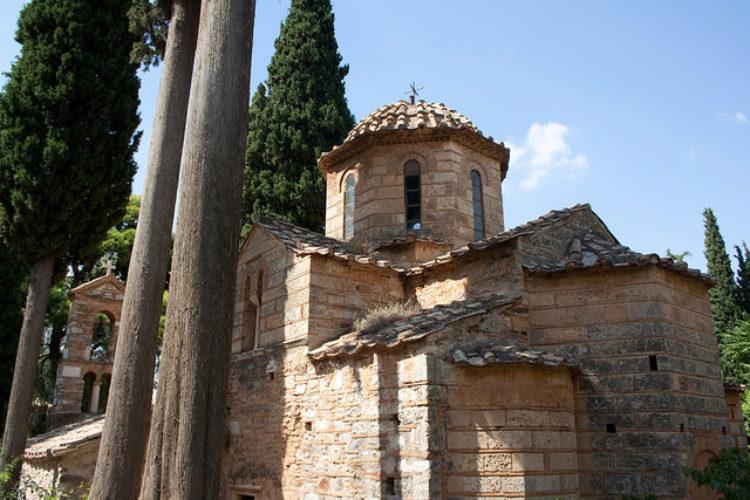 Что посмотреть в Афинах - Монастырь Кесариани в Афинах