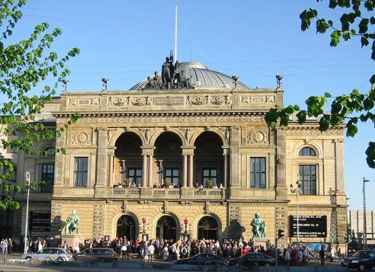 Королевский театр Дании в Дании