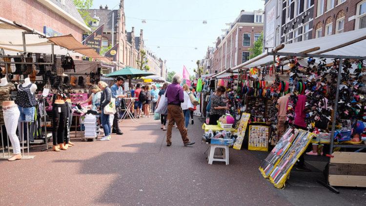 Рынок Альберта Кёйпа в Амстердаме - достопримечательности Амстердама, Нидерланды