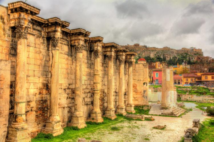 Стены Библиотеки Адриана в Афинах - достопримечательности Афин