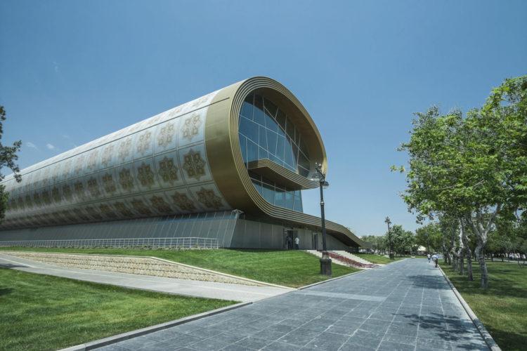 Азербайджанский Музей Ковра - достопримечательности Баку