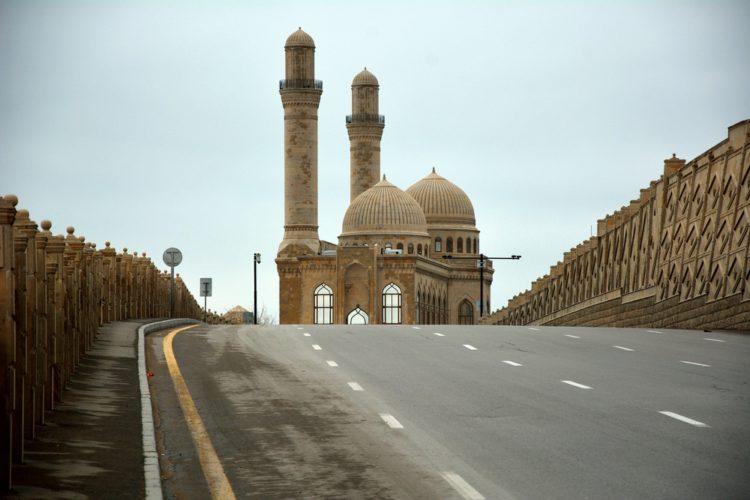Мечеть Биби-Эйбат - достопримечательности Баку