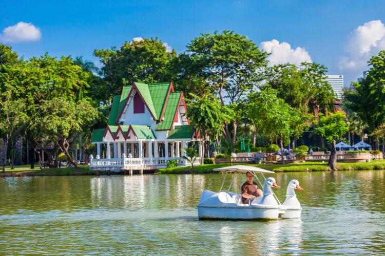 Что посмотреть в Бангкоке - Парк Люмпини в Бангкоке