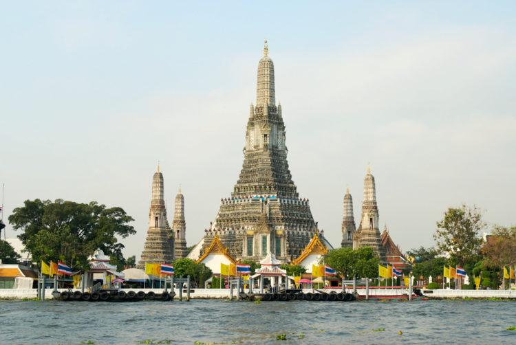 Буддийский храм Ват Арун в Бангкоке - достопримечательности Бангкока