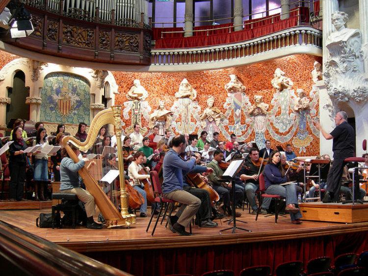 Дворец каталонской музыки - достопримечательности Барселоны