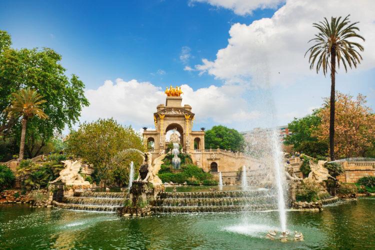 Фонтан в парке-де-ла-Ciutadella в Барселоне - достопримечательности Барселоны