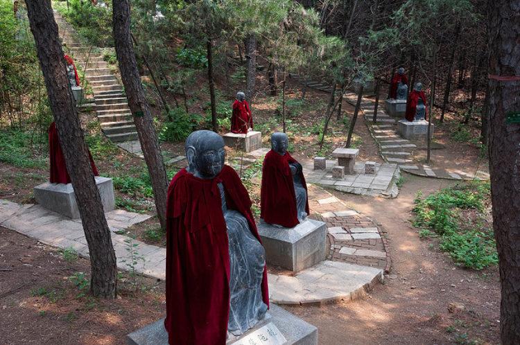 Храм Хунлуо в Пекине - достопримечательности Пнкина