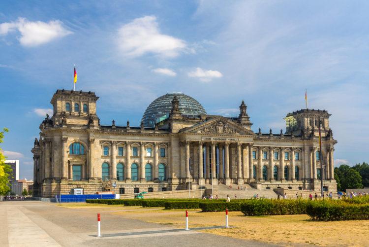 Здание Рейхстага в Берлине - достопримечательности Берлина